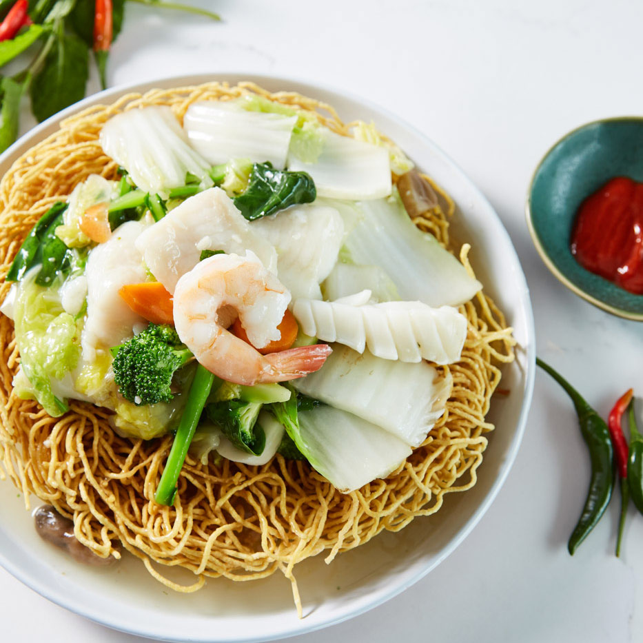 Bau Truong at Mounties - crispy noodles